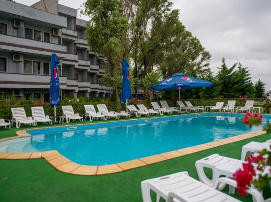Hotel VOILA-CARAIMAN