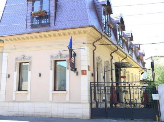 Hotel Casa Artisti (ex. Hotel Vilo's)