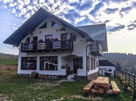 Pensiunea Muntii Bucovinei