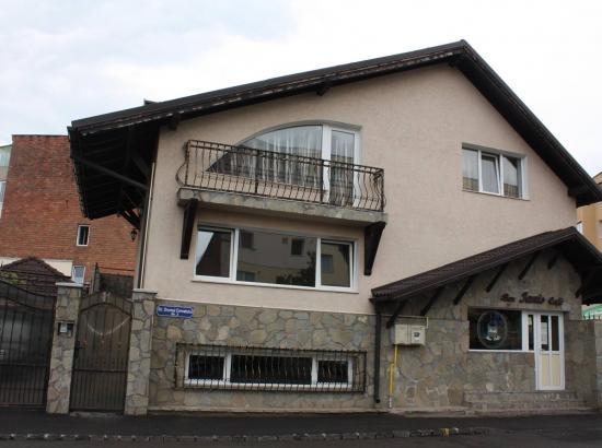 Casa Ianis