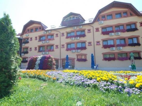 Hotel Grand Perla Ciucasului